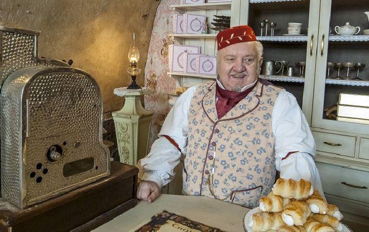 Naposledy před filmovou kamerou – cukrář v pohádkové komedii Jiřího Stracha Anděl Páně 2