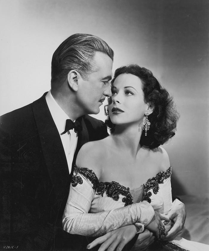 S třetím manželem Johnem Loderem v roce 1947, v dramatu s kriminální zápletkou Dishonored Lady