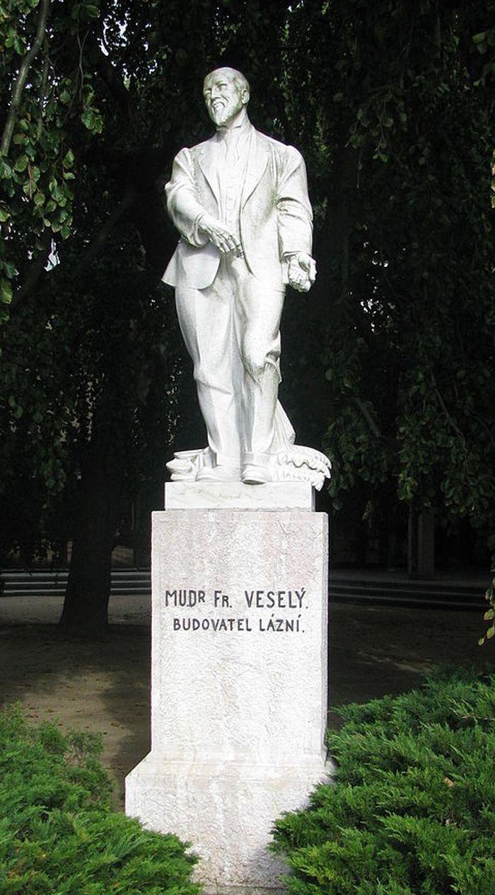 Luhačovice František Veselý