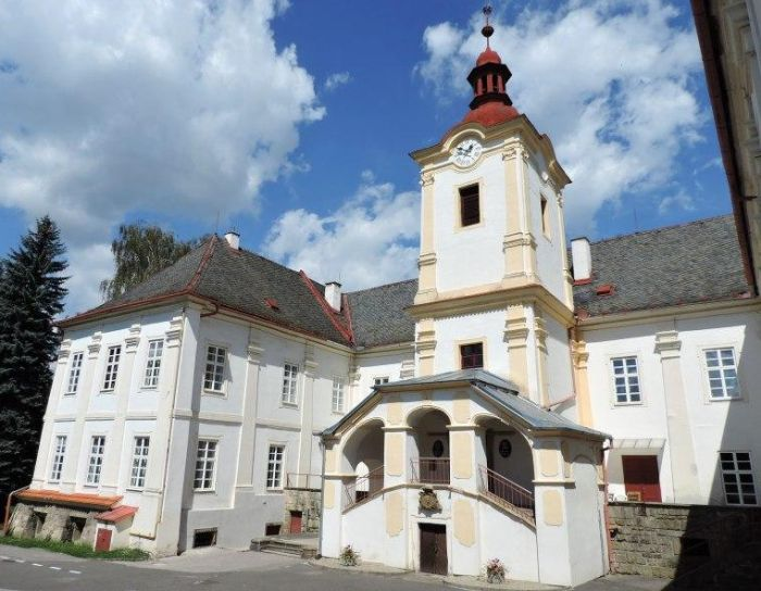 Luhačovice zámek