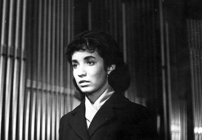 V roce 1964 poprvé před kamerou, ve slovenském dramatu Organ
