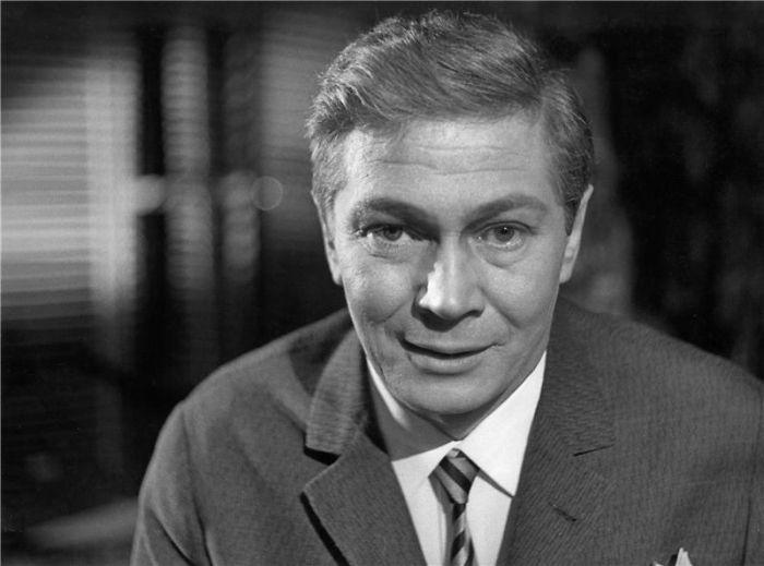 Mitch v psychologickém dramatu Tennessee Willamse Tramvaj do stanice touha - Národního divadlo 1965