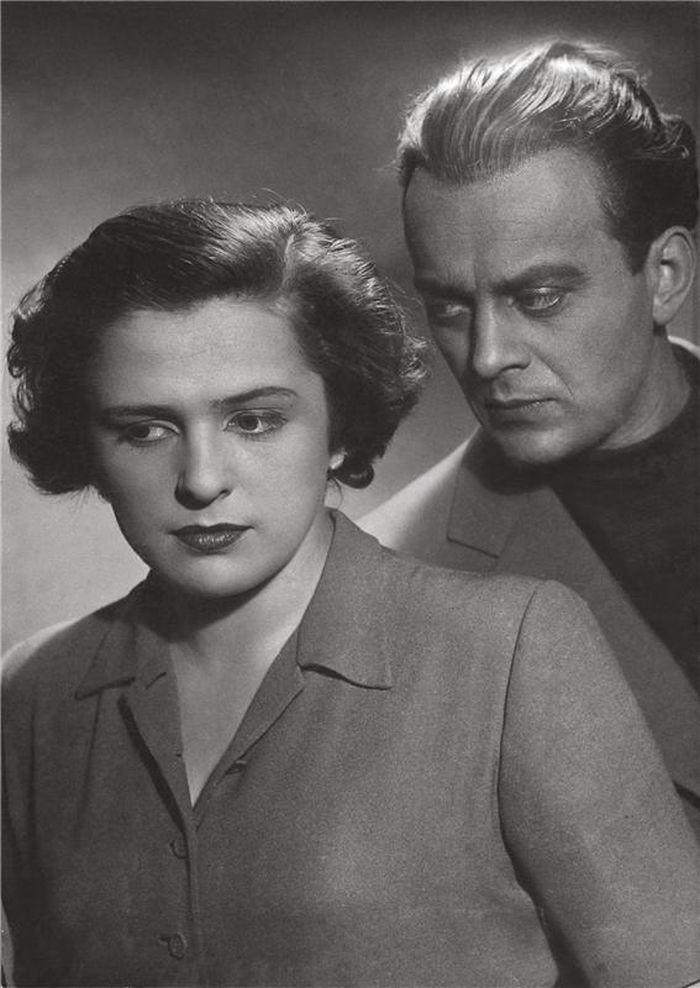 Marianna de Virelade a Alan (Karel Höger) v hře francouzského, romanopisce, básníka a dramatika Francoise Mauriaca Milovaní nemilovaní – Stavovské divadlo Praha 1947