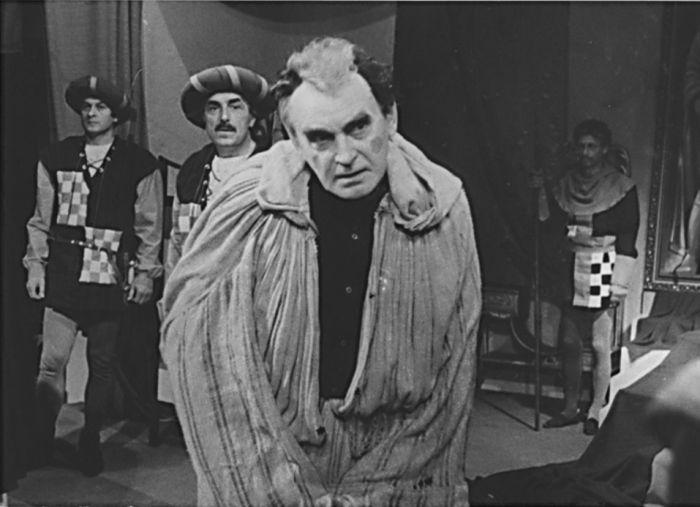 Jindřich IV. ve stejnojmenném dramatu drama italského nositele Nobelovy ceny za literaturu Luigiho Pirandello – Státní divadlo Oldřicha Stibora Olomouc 1986