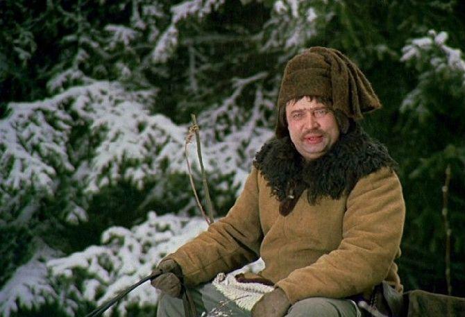 Jako čeledín Vincek vstupuje do našich domovů každý Štědrý večer v pohádce Tři oříšky pro Popelku