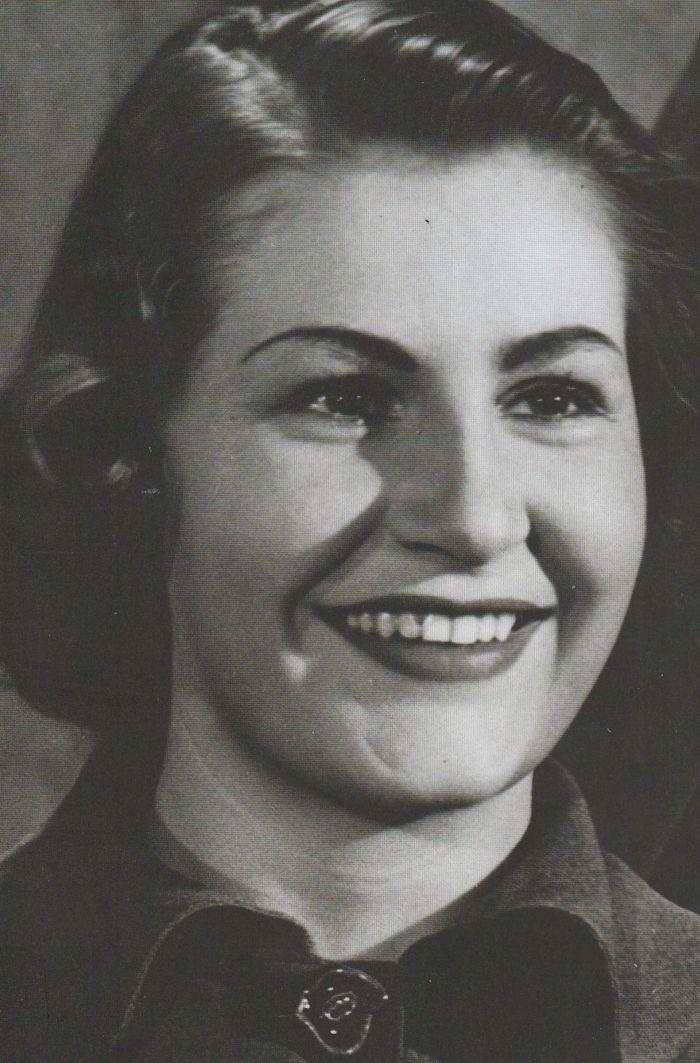 Počátkem padesátých let, v době manželství s kardiologem Josefem Moučkou