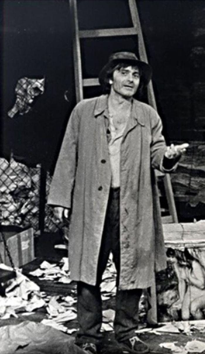 Hanťa v roce 1984 na jevišti pražského Divadla Na zábradlí v představení Hlučná samota