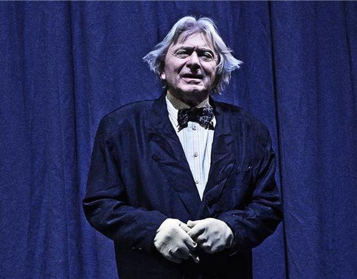 Jeho poslední postavou v souboru činohry Národního divadla se stal Karp v groteskní komedii A. N. Ostrovského Les – Stavovské divadlo 2014