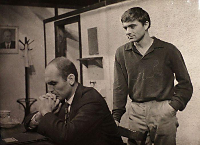 V divadelní hře slovenského dramatika Igora Rusnáka Lišky, dobrou noc – Divadlo Petra Bezruče Ostrava 1964
