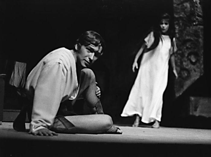 Orestes v dramatu Jean-Paula Sartre Mouchy – Komorní divadlo Praha 1968