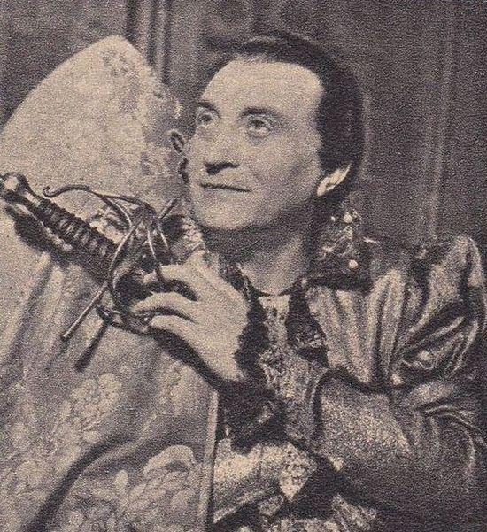 Jako Lelio v komedii italského dramatika Carla Goldoniho Lhář