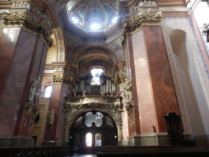 Interiér kostela sv. Michala v Olomouci