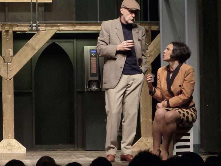 V představení hry Václava Havla Asanace, v pražském Divadle Na zábradlí v roce 2014