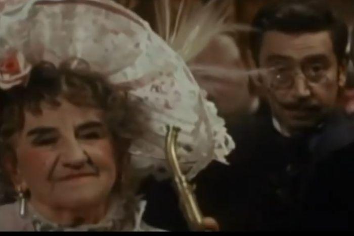 Laurinová v komedii Zabil jsem Einsteina, pánové…