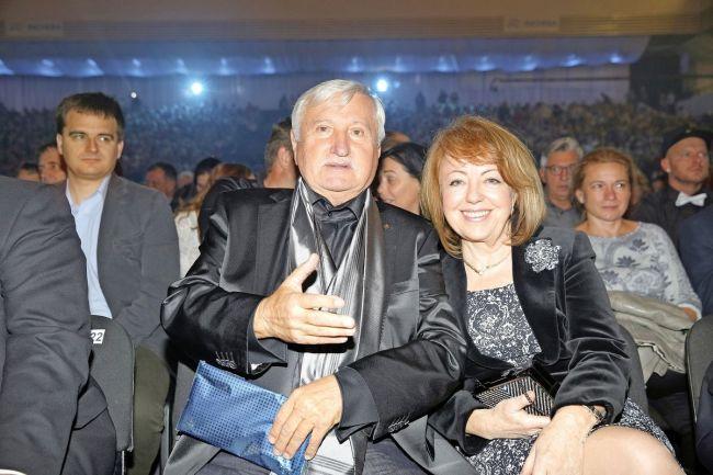 Manželce Ľubomíře je věrný déle než čtyřicet let