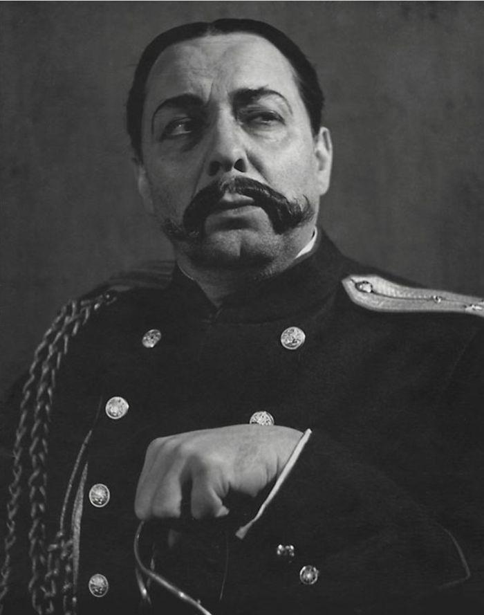 Bobojedov v dramatu Maxima Gorkého Nepřátelé – Národní divadlo 1954