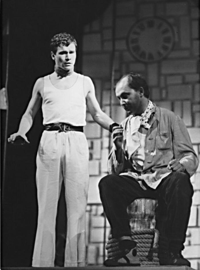S Oldřichem Slavíkem na jevišti Státního divadla Brno, v komedii Carla Goldoniho Poprask na laguně – 1966