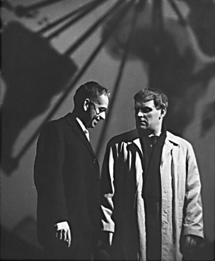 S Vlastimilem Brodským na pražských Vinohradech v roce 1963, v Čapkově Válce s mloky