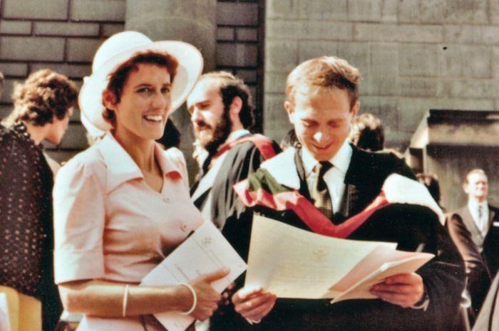 S manželkou Rosemary na promoci 20. června 1974 – snímek z dokumentu Jiřího Krejčíka Můj Vladimír Pucholt