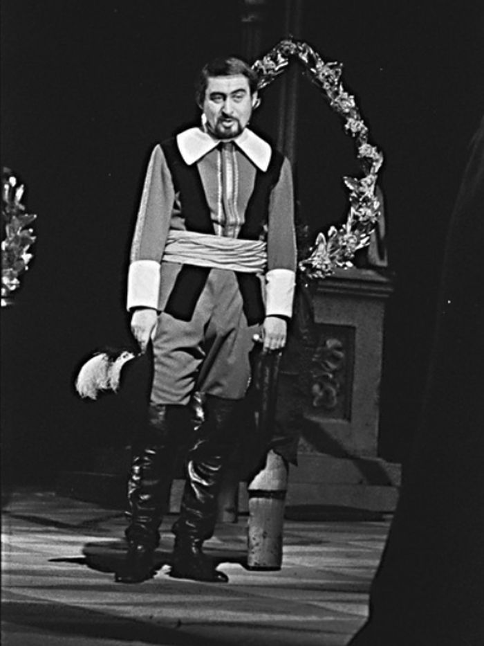 V roce 1966 v Divadle na Vinohradech, ve slavném představení Královna Kristýna