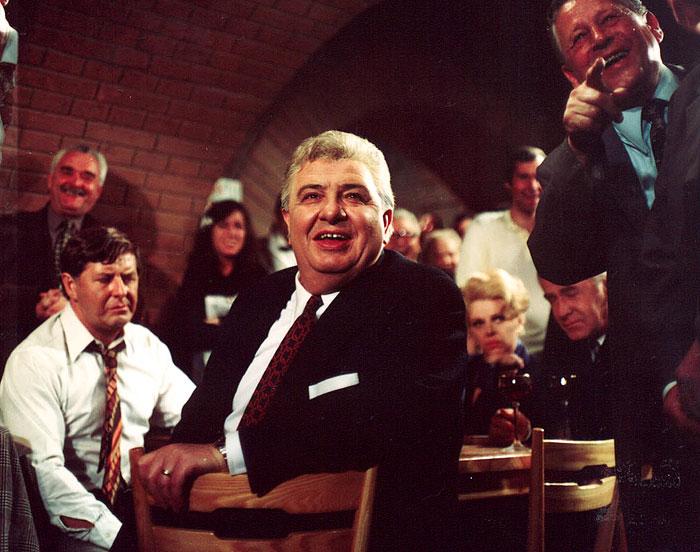 Houkal v hořké komedii Václava Vorlíčka Bouřlivé víno – 1976
