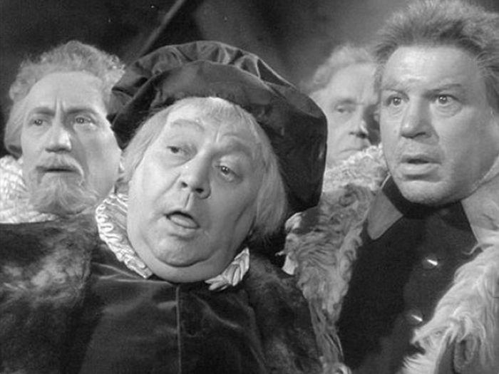 Jako pekař a konšel Hruška (uprostřed) v historické komedii Nezbedný bakalář