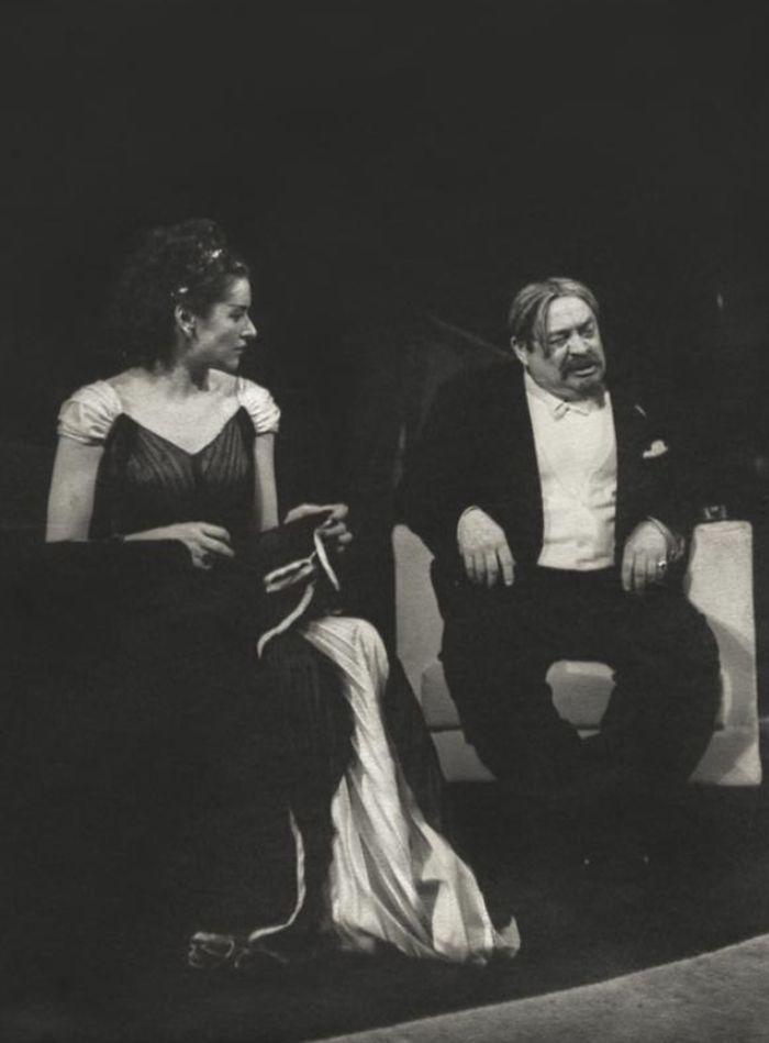 S Marií Vášovou v roce 1947 v hořké komedii Jeana Anouilho Pozvání na zámek