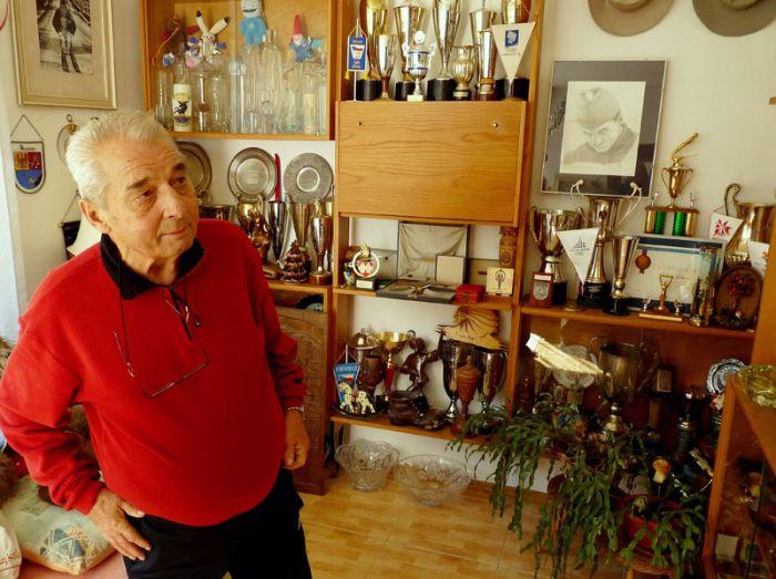 Svoji sbírku trofejí představil divákům v roce 2010 dokumentu České televize 13. komnata