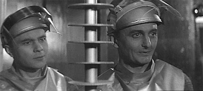 S Milošem Zavřelem ve sci-fi komedii režiséra Oldřicha Lipského z roku 1961 Muž z prvního století