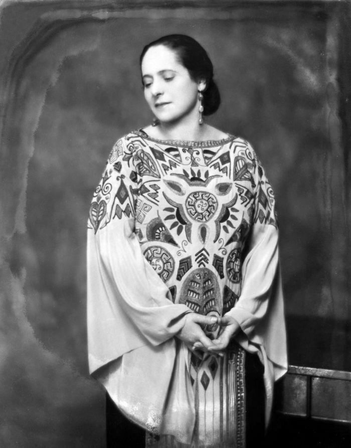 V roce 1923 v modelu slavného francouzského módního návrháře Paula Poireta