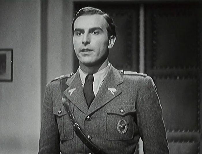 Nadporučík Domin v psychologické krimi režiséra Miroslava Cikána z roku 1936 Vzdušné torpédo 48