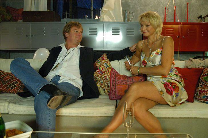 S Marošem Kramárem v seriálu televize Prima Letiště