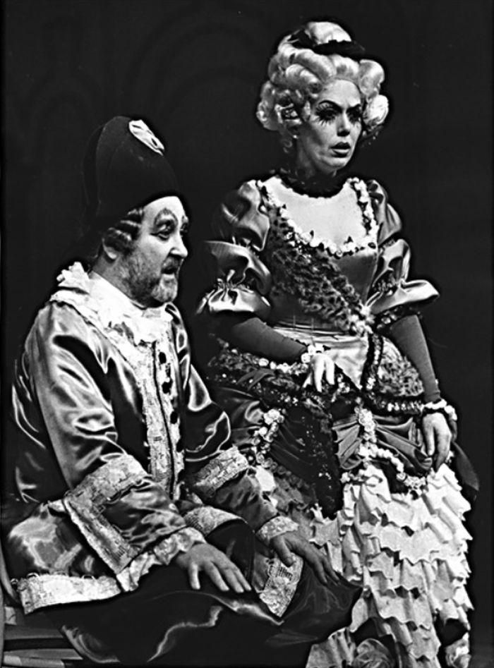 S Jiřinou Jiráskovou v komedii Carla Goldoniho Starý bručoun Todero – Divadlo na Vinohradech 1972