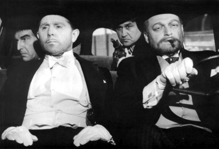 Straka a profesor Kirchenbruch (Martin Růžek) v sci-fi komedii z roku 1965 Ztracená tvář
