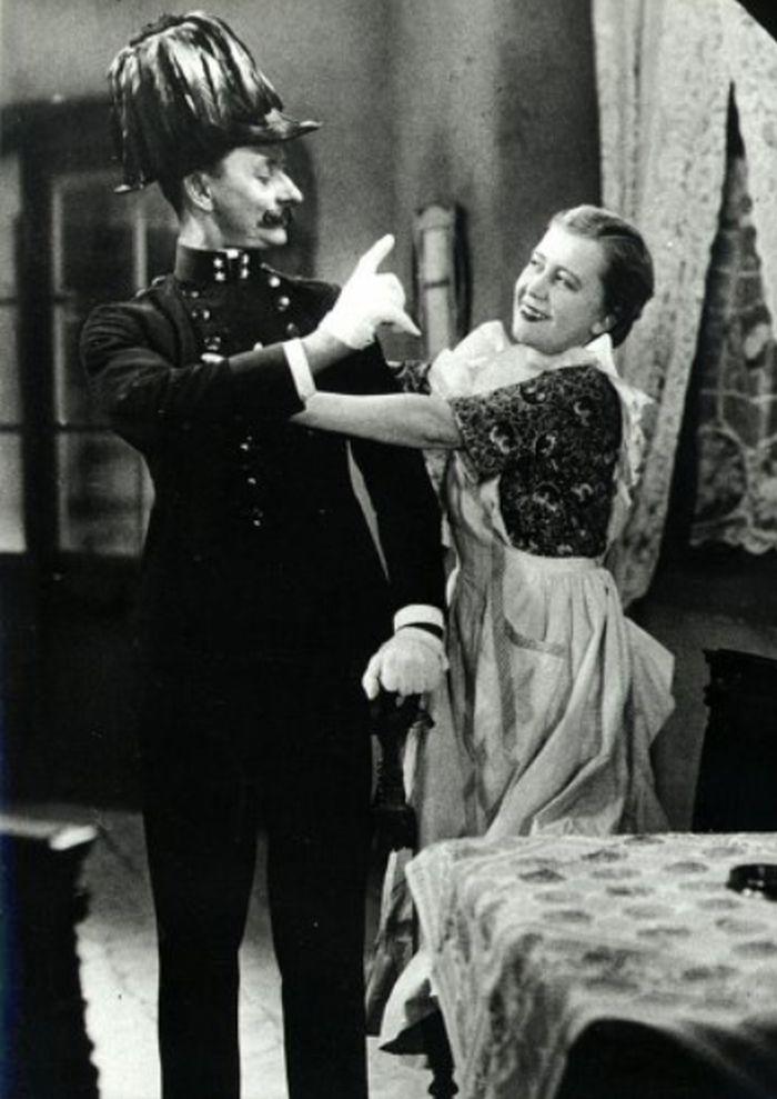 S Vlastou Burianem v komedii Anton Špelec, ostrostřelec