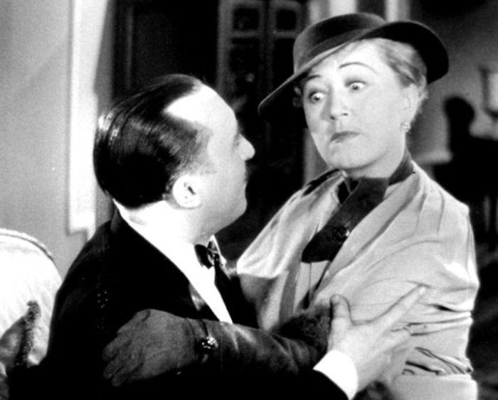 Majitelka salonu krásy Lola Paličková v komedii Karla Lamače Na tý louce zelený