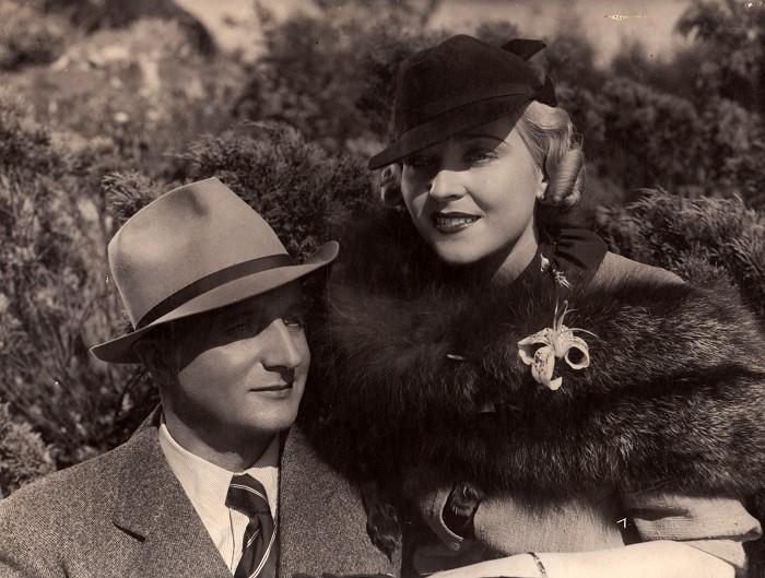 Se Zitou Kabátovou v roce 1936 v romantickém dramatu režiséra Oldřicha Kmínka Manželství na úvěr