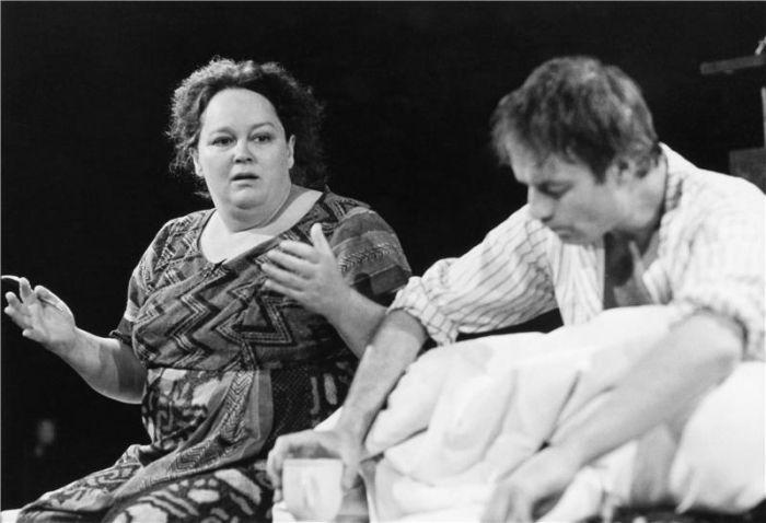 S Janem Novotným ve hře Arnošta Goldflama Smlouva – Divadlo Kolowrat 1999