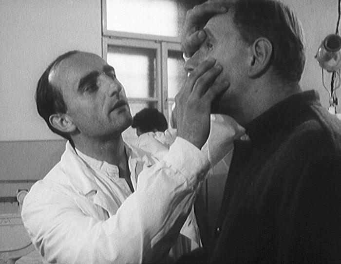 Poprvé před kamerou – jako vězeňský lékař v soudním dramatu Obžalovaný