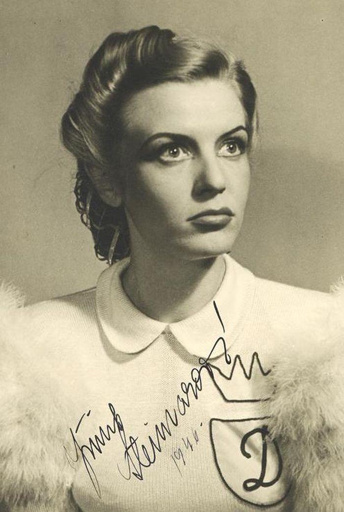 Princezna Dišperanda v roce 1945 v představení Národního divadla Hrátky s čertem