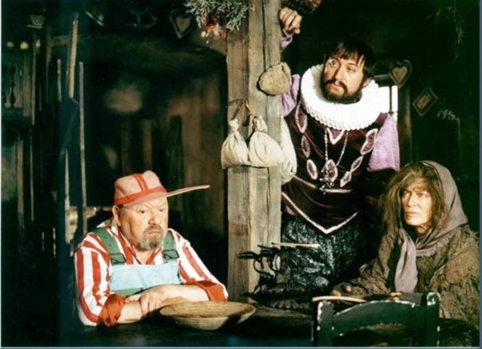 Jako strýček Pompo v seriálu Arabela se vrací aneb Rumburak králem Říše pohádek