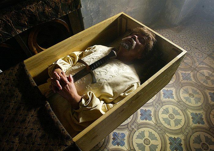 Hradní pán Markvart z Vartemberka se v historickém dramatu režiséra Petra Nikolaeva Jménem krále stane obětí vraždy
