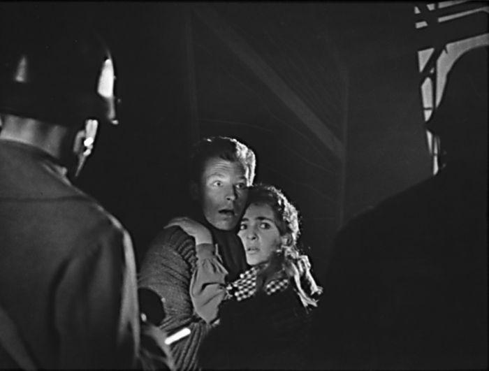 Jako Ďurko v roce 1962 v klatovském divadle, ve válečném dramatu Petera Karvaše Půlnoční mše