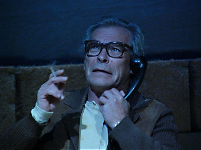 Ve hře rakouského básníka Ernsta Jandla Z cizoty – Divadlo Na zábradlí v roce 2004