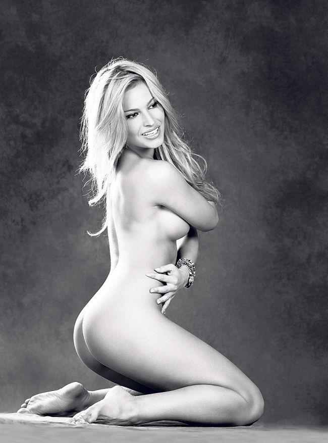 Na jednom ze snímků pro českou mutaci magazínu Playboy
