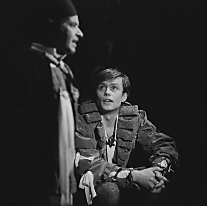 Romeo v nestárnoucí milostné tragédii Williama Shakespeara Romeo a Julie – Divadlo Jiřího Wolkera 1972
