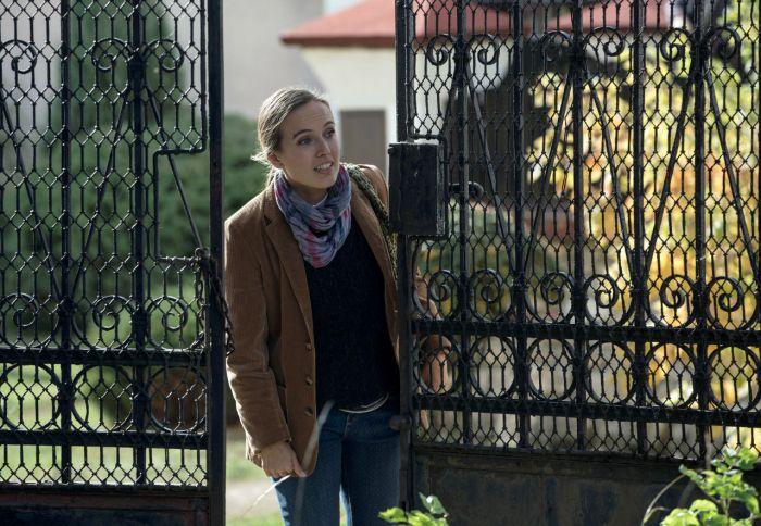 Ani Tereza Ramba není nováčkem v seriálových kriminalistických týmech. Ještě pod dívčím jménem Voříšková si zahrála poručici Kristýnu Horovou v třídílném Případu mrtvých psů.