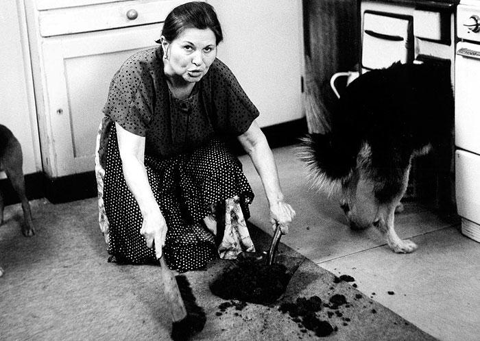 Jako teta Ema v roce 1990 v moderní pohádce Čarodějky z předměstí