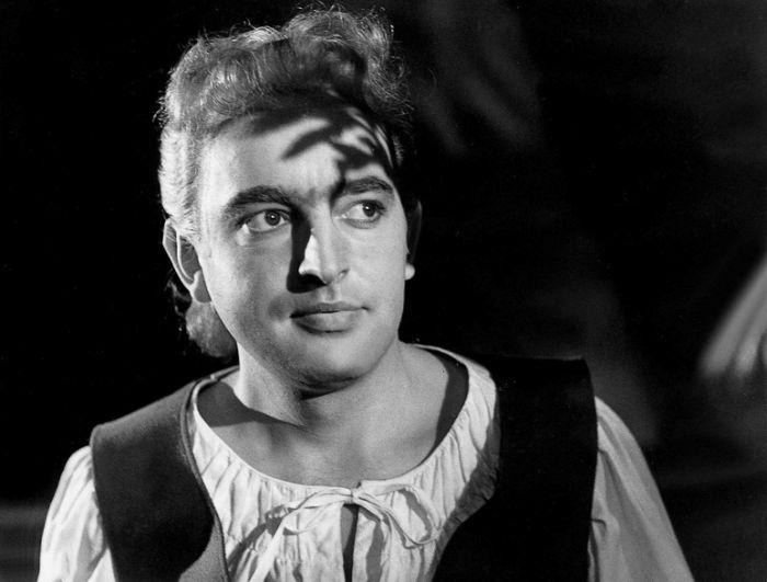 V hlavní roli v poetickém dramatu Julia Zeyera Radúz a Mahulena – Krajské divadlo Pardubice 1959