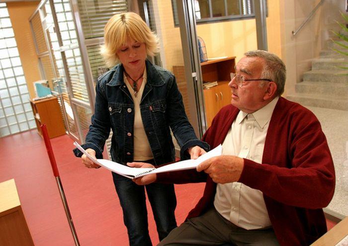 S Danou Batulkovou v roce 2004, v první řadě seriálu Redakce